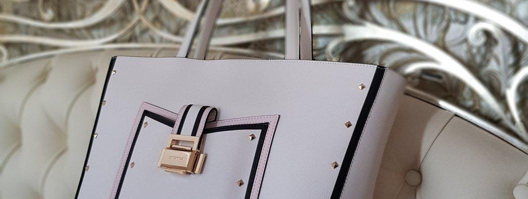 Подбираем белую сумку к наряду – три важных правила
