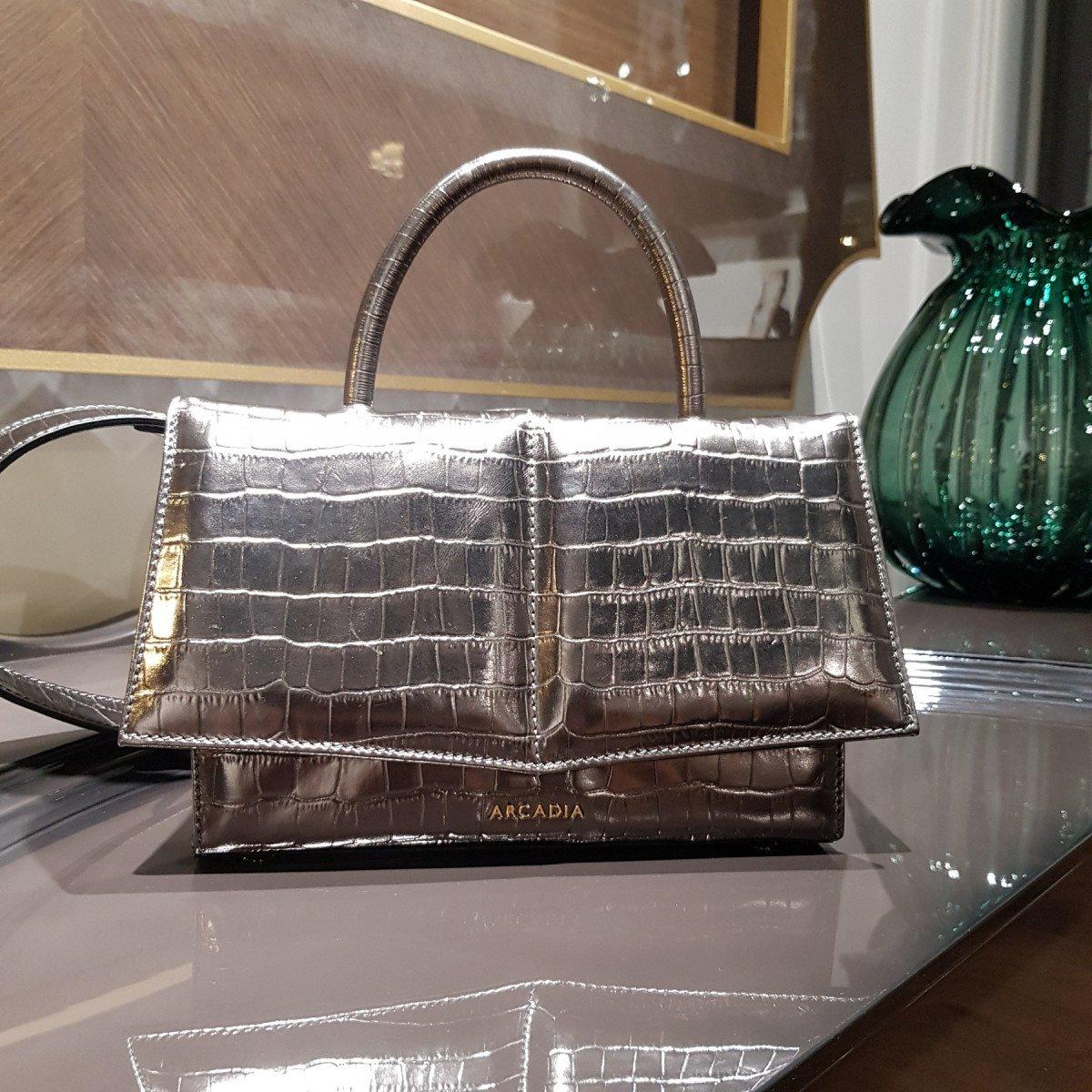 Итальянская женская сумка Arcadia 3940 metal piombo из натуральной кожи