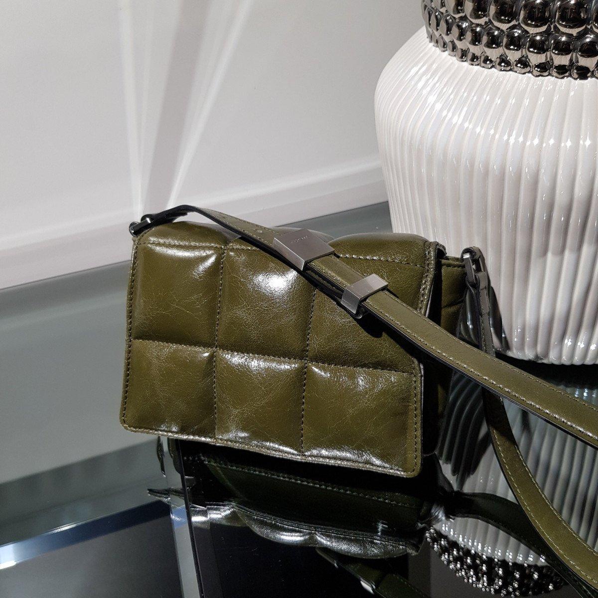 Итальянская женская сумка Arcadia 5088 alias verde из натуральной кожи