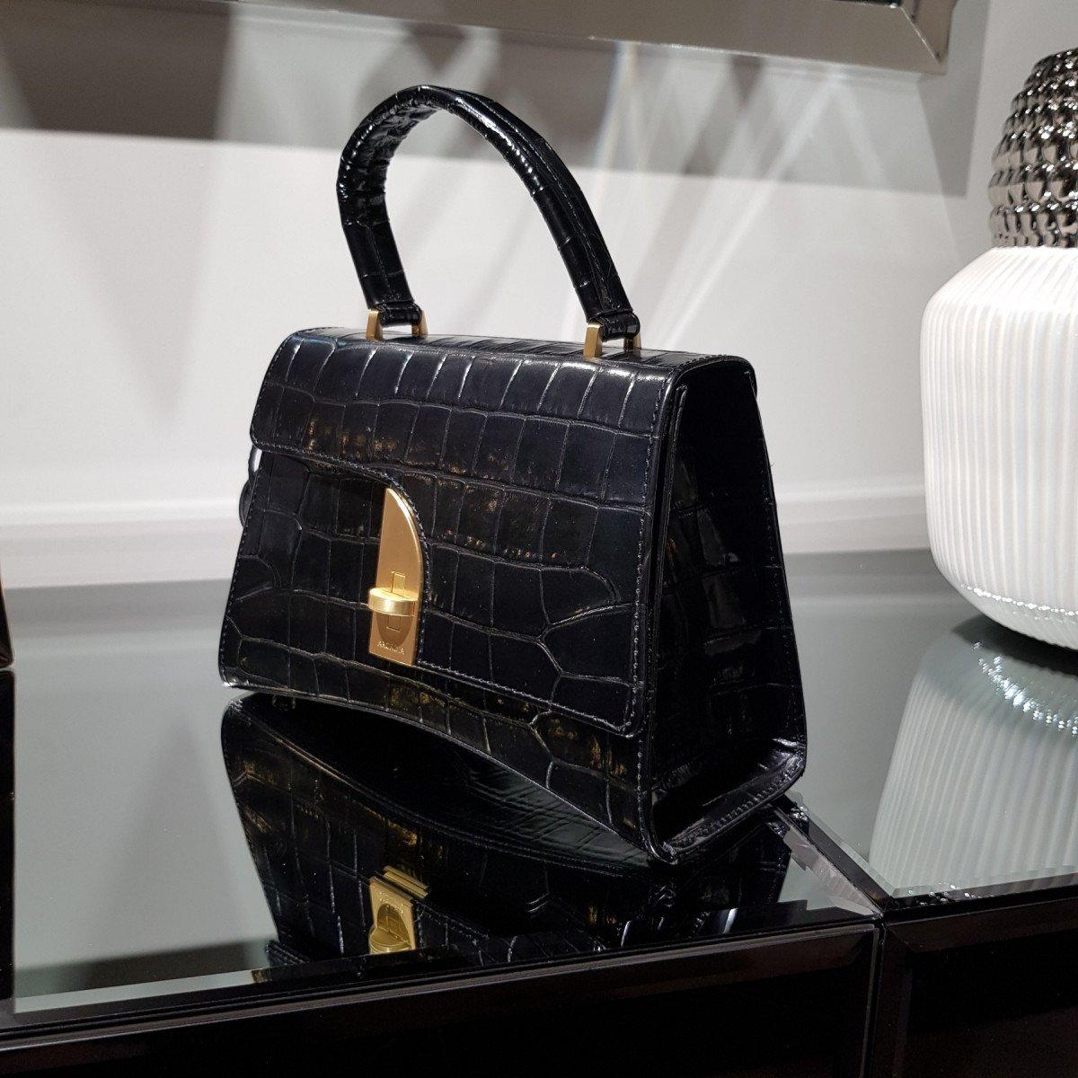 Итальянская женская сумка Arcadia 6791 balu nero из натуральной кожи