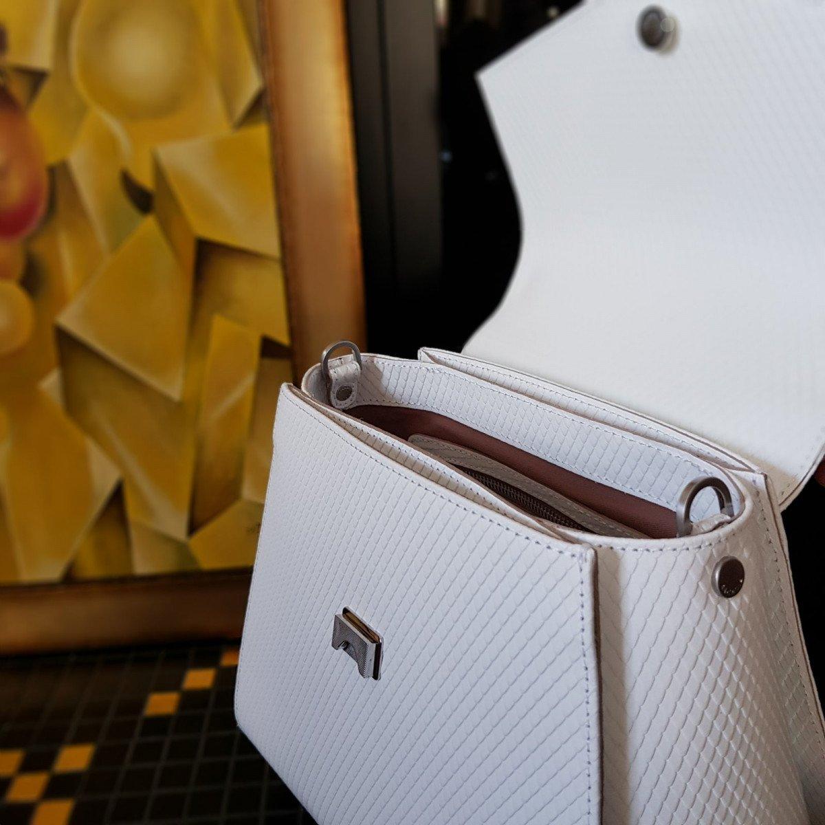 Женская кожаная сумка Arcadia 9190 vip bianco из натуральной кожи
