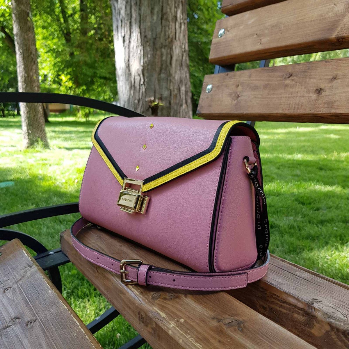 Женская кожаная сумка Cromia 1404544 ORCHIDEA из натуральной кожи