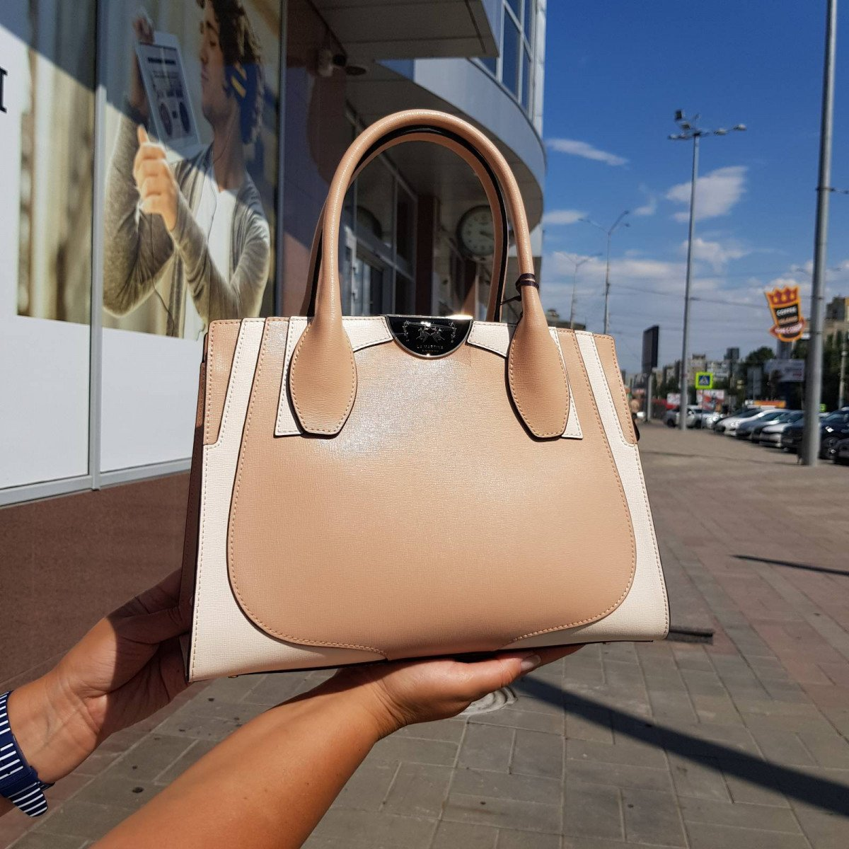 Кожаная женская сумка LA Martina 41W419 P0041 nude/beige из натуральной кожи из натуральной кожи