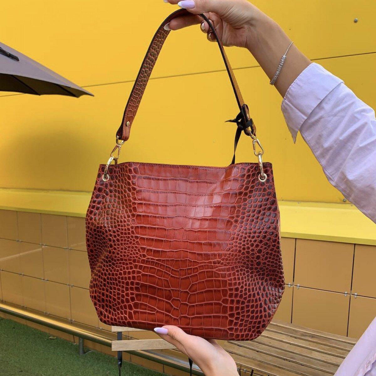 Женская кожаная сумка Ripani 9267SO.00015 Rosso из натуральной кожи