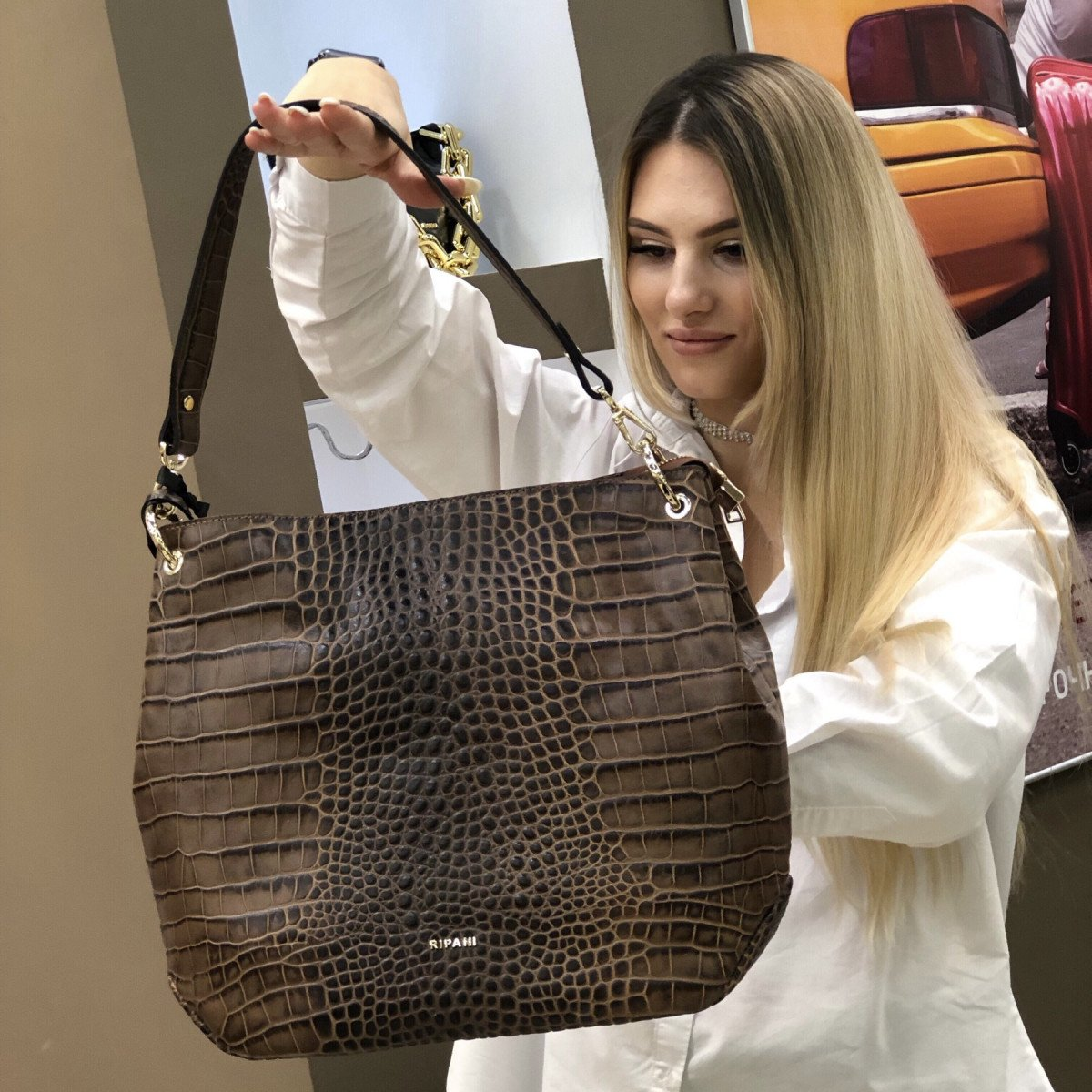 Женская сумка Ripani 9267SO.00060 Mandorla из натуральной кожи