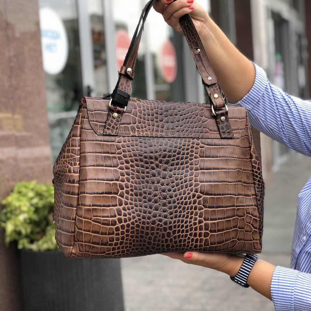 Женская кожаная сумка Ripani 9268SO.00060 Mandorla из натуральной кожи