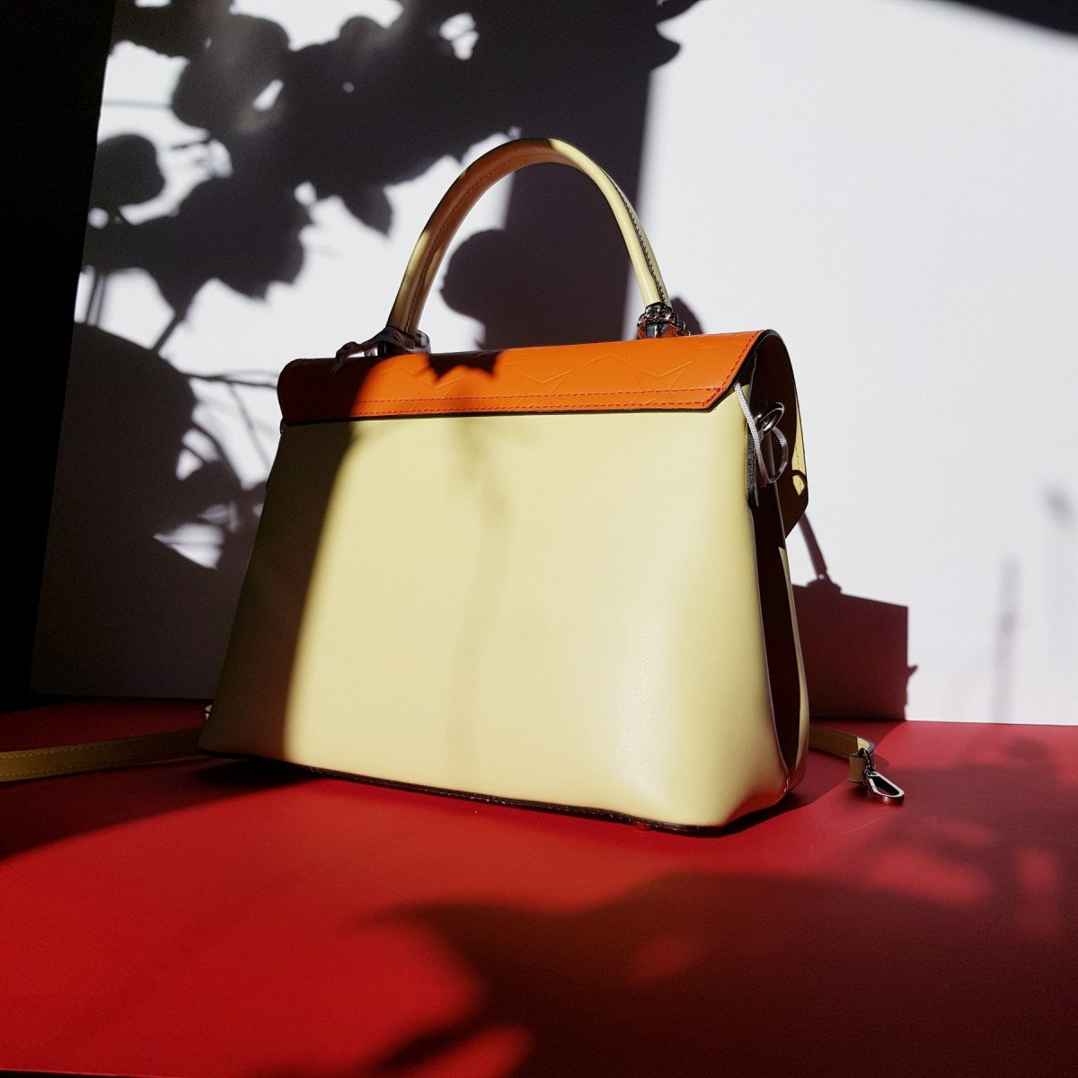 Женская кожаная сумка Sara Burglar A0S0Y540 GIALLO/ARANCIO из натуральной кожи