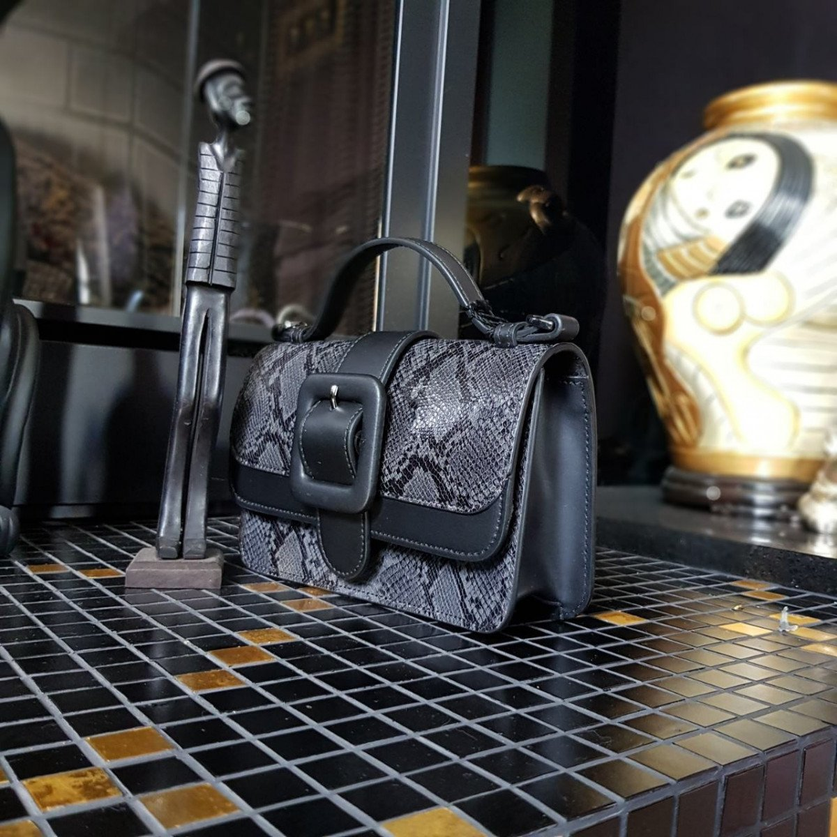 Женская кожаная сумка Tosca Blu TF19MB125 black pyton из натуральной кожи