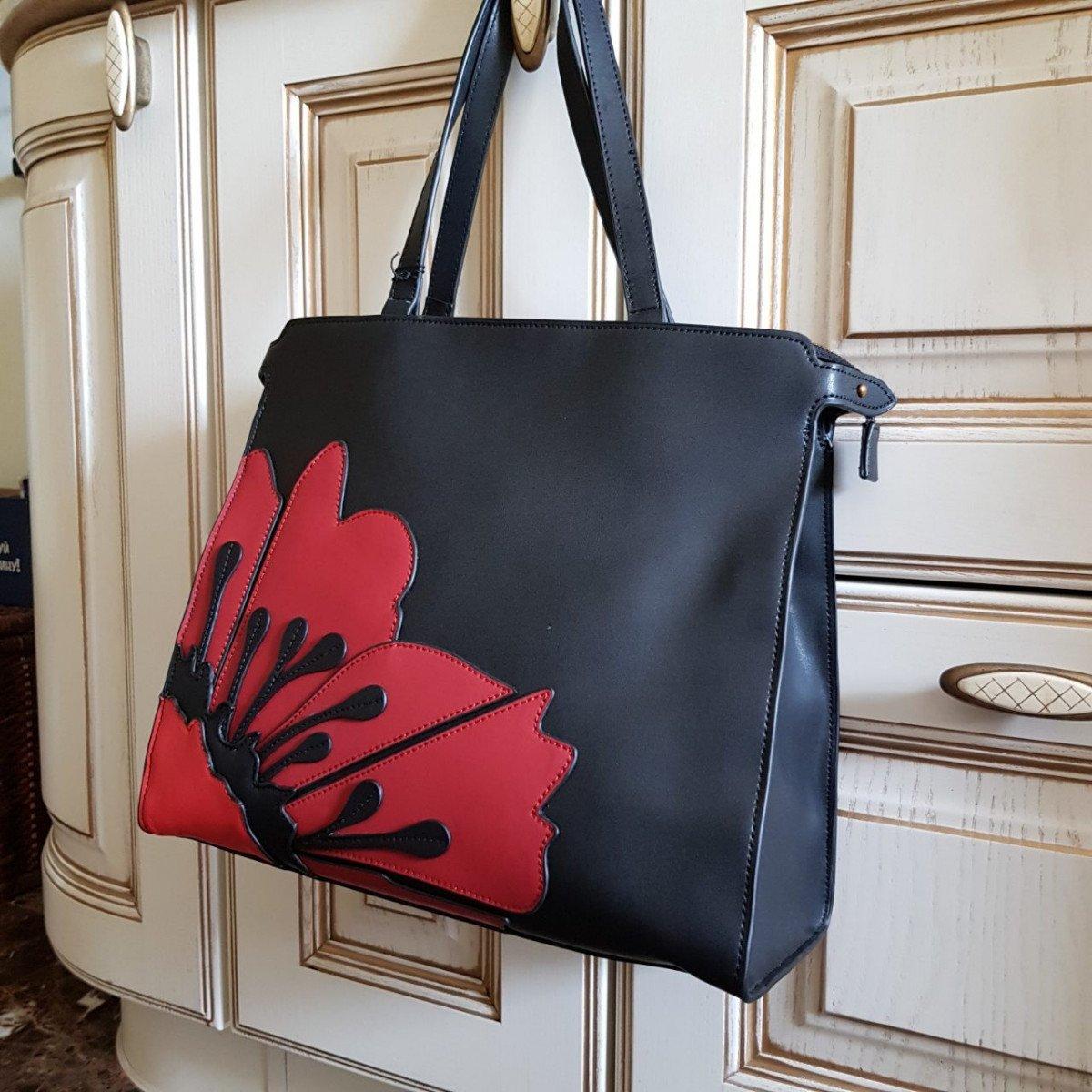 Женская кожаная сумка Tosca Blu TF19PB311 black dark red из натуральной кожи