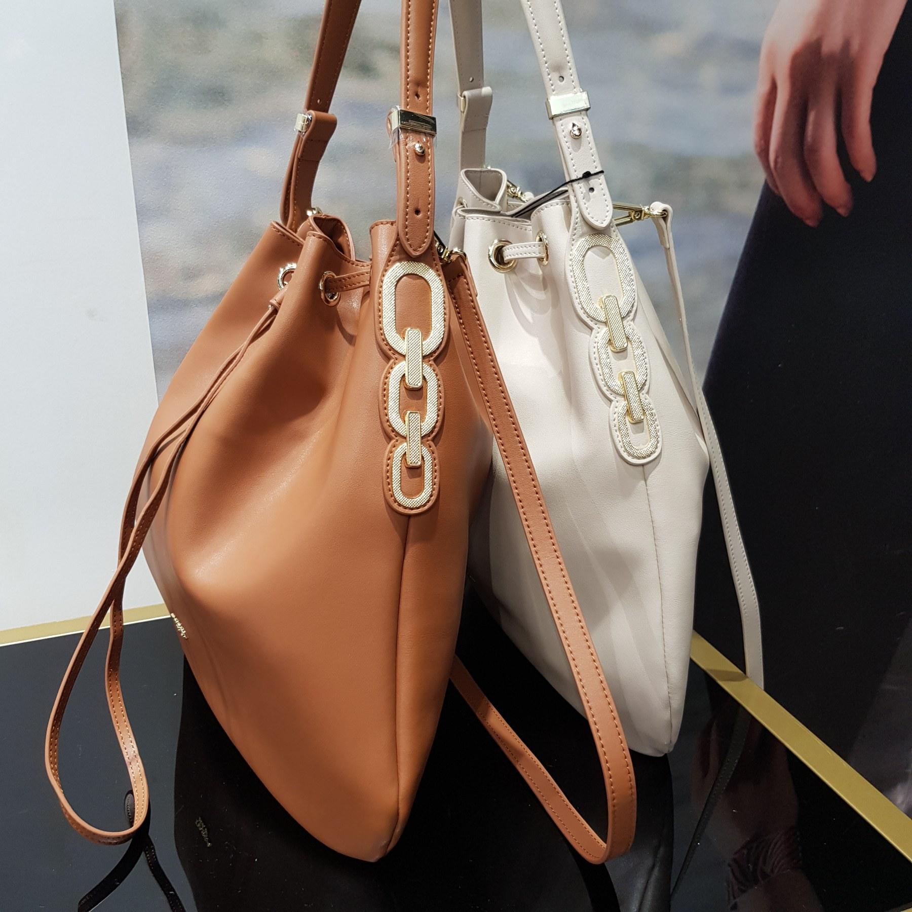 Брендовая женская кожаная сумка хобо (фото 1)