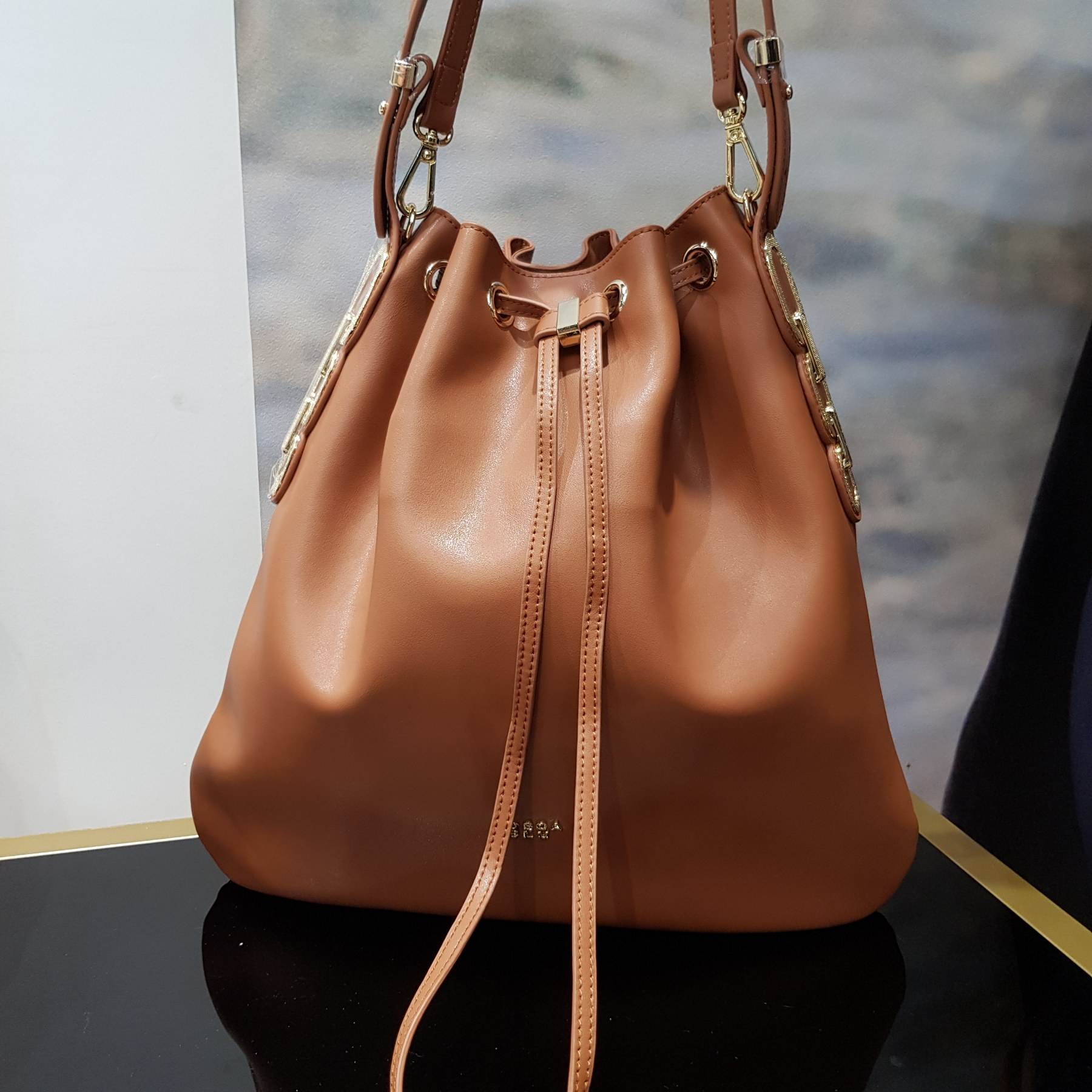 Брендовая женская кожаная сумка хобо (фото 2)